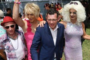 Daniel Andrews and Drag Queens, 600x400